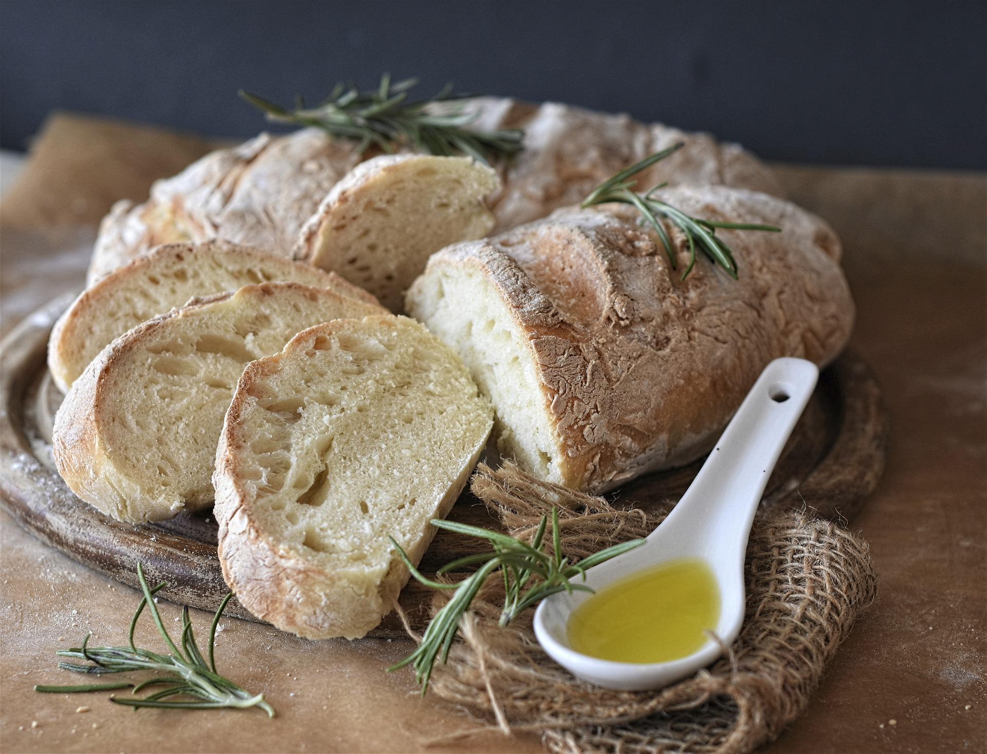 Ako a v čom piecť chlieb